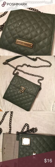 Steve Madden olive green purse Quilted  used a few times all zippers work purse is like new Steve Madden Bags Shoulder Bags