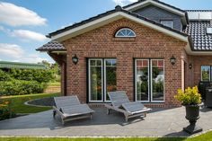 Friesenhaus with Sylter charm and cultivation of ECO system HAUS- Red Bricks, Outdoor Furniture, Outdoor Decor, Bungalow, Sun Lounger, My House, Building A House, Sweet Home, New Homes