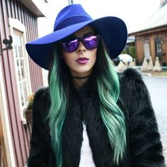 Close-up on these babies from @hawkersco #bewolf #hawkersco #hawkers #sunnies #sunglasses #eyewear #mirrored #accessories #fedora #hat #fauxfurcoat #tshirt #chokernecklace #septum #turquoisehair #boho #bohochic #bohemian #gypsy #streetfashion #streetstyle #montreal