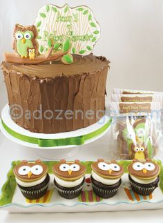 Owl cake - matching cookie favours & cupcake toppers. Beautiful!!