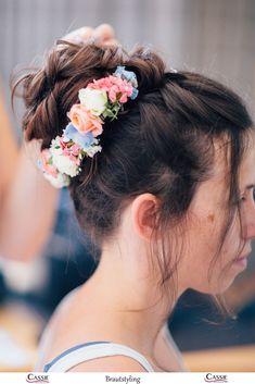 Brautfrisurentrend: Natürlicher und verspielter Dutt Braut Make-up, Trends, Cassie, Hair Inspiration, Wedding, Fashion, Hairdo Wedding, Valentines Day Weddings, Moda