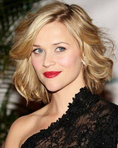 Pictures of Wavy Bob Hairstyles. Get hairstyles ideas and inspiration with Wavy Bob Hairstyles. Long Curly Bob, Thin Wavy Hair, Long Hair, Big Curls Short Hair, Wavy Lob, Curly Pixie, Short Bangs, Medium Curly, Curls Hair