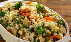 Arroz integral com frango e legumes (Milho, vagem, brocolis, couve flor, cenoura e ervilha)