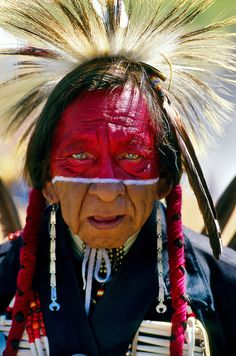 """The Nez Perce (/ˌnɛzˈpɜːrs/; autonym: Niimíipuu, meaning """"the walking people"""" or """"we, the people"""") are an Indigenous peopl. Nez Perce The walking people Native American Pictures, Native American Artwork, Native American Beauty, American Indian Art, Native American Tribes, Native American History, American Indians, American Symbols, Native American Warrior"""