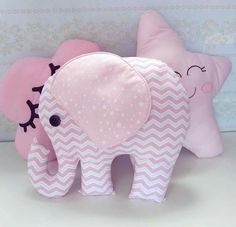 Sewing Baby Projects Toys Ideas New Ideas Sewing Toys, Sewing Crafts, Felt Crafts, Diy And Crafts, Handgemachtes Baby, Baby Doll Bed, Baby Shower Souvenirs, Fabric Animals, Crochet Animals