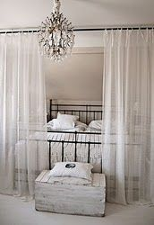 awesome use of a curtain rod