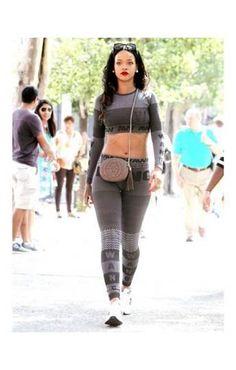 Rihanna Com As Novas Roupas Alexander Wang x H&M