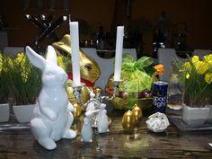 Irene und Johann wünschen Euch allen ein schönes und gesegnetes Osterfest. Irene, Table Decorations, Gold, Home Decor, Non Alcoholic Drinks, Lemon Balm, Nice Asses, Decoration Home, Room Decor