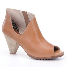 Matt Bernson Open Toe Booties in Tan Peep-toe Matt Bernson booties have a modern look with a curved cutout detailing the shaft. Exposed side zip. Tapered, stacked heel and notched rubber sole. Leather: Cowhide. Heel: 3 inches. ** I LOVED these shoes so much when I got them that I wore them even though they were too small on me, which is why I couldn't take them back. They are perfect for a more casual date night or dressed up for an occasion. I only wore them twice. Slight scuffing on heels…