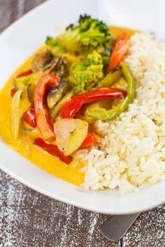 scharfes Thai-Curry mit geröstetem Gemüse