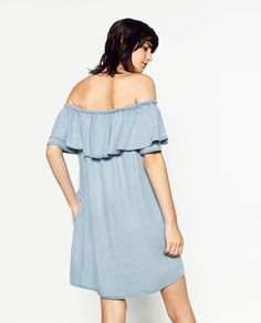 Image 4 of OFF-THE-SHOULDER DENIM DRESS #joinlife from Zara