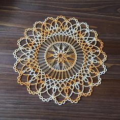 Mary Maynard's Small Doily 이제서야 블로킹 끝냄 ^^;  #태팅 #태팅레이스 #tatting #tattinglace  #handmade #tatting_lace #タティングレース #タティング #도일리 #doily