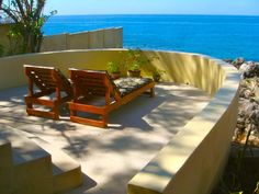 Stunning & Private Seafront Villa in Negril