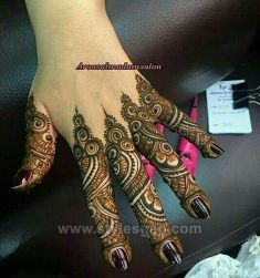 Beautiful Easy Finger Mehndi Designs Styles contains the elegant casual and formal henna patterns to try for daily routines, eid, events, weddings Dulhan Mehndi Designs, Mehandi Designs, Khafif Mehndi Design, Mehndi Designs 2018, Mehndi Design Pictures, Modern Mehndi Designs, Beautiful Henna Designs, Mehendi, Mehndi Images
