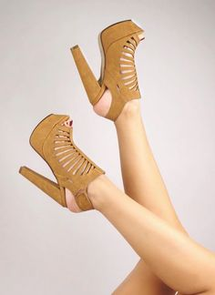 Obsessed with those shoes for Fall