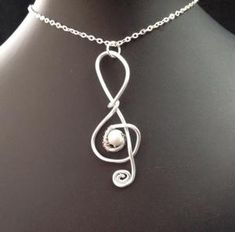 wire wrapped pendant neckalce by wanting