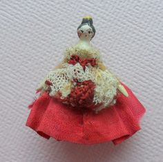 Grodnertal  Wooden Tuck Comb Doll c1860