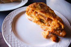 MADRID-COOL-BLOG-JUANA-LA-LOCA-tortillas-de-patata-de-madrid-G Apple Pie, Lasagna, French Toast, Breakfast, Ethnic Recipes, Desserts, Cool, Spanish Omelette, Food Cakes