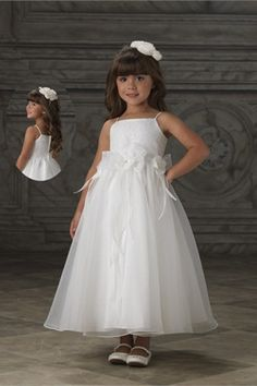 Hot Sell Spaghetti Straps White Princess Beaded Flower Girl Dress With Handmade Flowers on the Waist