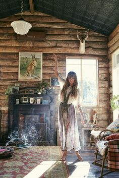 Bohemian look winter cool idea how to dress up hippie chic cottage - Hippie Style, Hippie Chic, Mode Hippie, Bohemian Gypsy, Gypsy Style, Bohemian Style, Boho Chic, Hippie Masa, White Bohemian