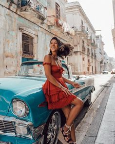 My complete guide to this misterious city. Guide to Havana Cuba. Where to stay, best places to eat drink. The one party you dont want to miss out and best places to explo Pool Outfits, Hawaii Outfits, Casual Summer Outfits, Vegas Outfits, Vacation Outfits, Classy Outfits, Mean Girls Outfits, Girls Night Out Outfits, Pin Up Outfits