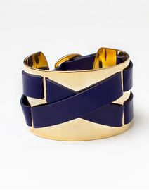 JewelMint  really loving navy and gold for spring!