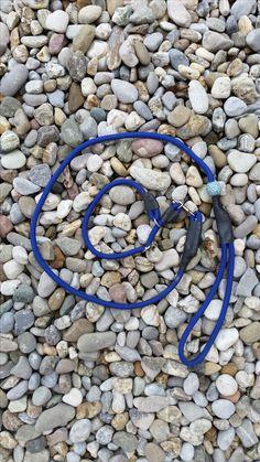 Set aus Zugstopphalsband mit Leine aus Reepschnur.   Blau, blau, blau sind alle meine Kleider... ach nein Leinen ;-)