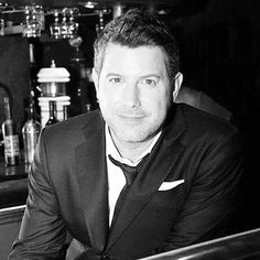 A black and white version of one of the latest photos from @fansclubildivo.uruguay #wecameheretolove #wecameheretolovetour #sebsoloalbum #seblive #teamseb #sebdivo #sifcofficial #ildivofansforcharity #ildivo #sebastienizambard #singer #band #popstar #vip #musiclovers #music #composer #producer #artist #charityambassador #instagood #instamusic #carlosmarin #davidmiller #ursbuhler #castlesandcountrytour #timeless #timelesstour #sebstour