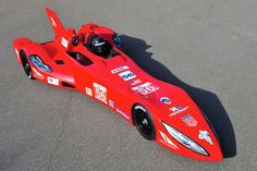 Early last year the unique DeltaWing prototype race car was unveiled at the Chicago auto show. The idea was for it to be considered for future Indy cars but it was rejected as being too radical. Pedal Cars, Race Cars, Delta Wing, Chicago Auto Show, Sports Car Racing, Indy Cars, Nissan Skyline, Le Mans, Hot Rods