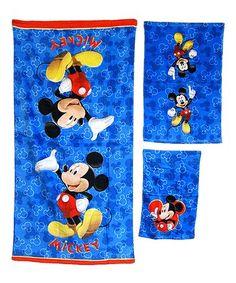 Character Linens Official Disney Minnie Mouse Beach Bath Towels Design 1