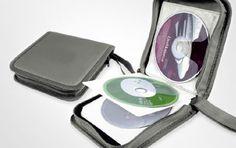 Elegantissimo PORTA CD con stampa personalizzata.   Capacità: 24 cd.   Dimensioni: cm 16x15x4,5 ca.   Materiale: gommato.   Area di stampa: cm 9x6.