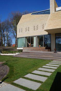 Een nieuwe villa (Mopet Architects) midden in een Zocher-park. Ontworpen door Groene Kikker Tuinontwerp