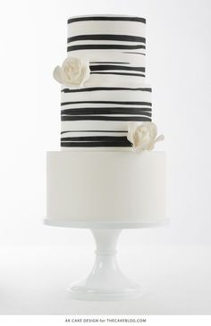 Black & White Stripes Wedding Inspiration | Estera Events