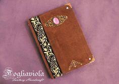 Elizabethan Journal    #elizabethan #elisabettiano #victorian #vittoriano #journal #book #diary #handmade #classic #medieval #violet #purple #viola #cammeo #unique #ooak #flower #ancient #oldstyle #romantic #chocolate #fogliaviolastyle