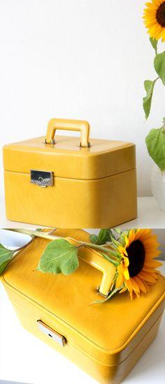 Beauty Case 70er, Schminkkoffer gelb, Vintage
