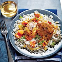 Honey-Apricot Glazed Chicken from Cooking Light - This saucy slow cooker chicken lives at the flavorful intersection where sweet and savory meet. Never cooked with apricot brandy? Slow Cooker Chili, Crock Pot Slow Cooker, Crock Pot Cooking, Slow Cooker Chicken, Slow Cooker Recipes, Crockpot Recipes, Cooking Recipes, Crock Pots, Yummy Recipes