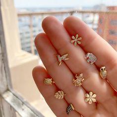 Gold Bar Stud earrings in Gold fill, short gold bar stud, gold fill bar post earrings, gold bar earring, minimalist jewelry - Fine Jewelry Ideas Nose Jewelry, Jewelry Design Earrings, Gold Earrings Designs, Gold Earrings For Kids, Gold Bar Earrings, Small Earrings, Fancy Jewellery, Gold Jewellery Design, Gold Ring Designs