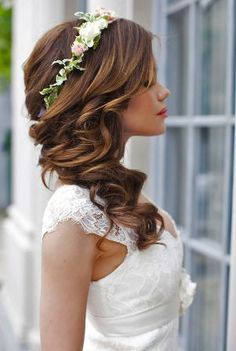 Свадебные прически 2017 1 estilos de peinado para boda, peinados de novia и Wedding Hair Flowers, Wedding Hair And Makeup, Flowers In Hair, Hair Wedding, Wedding Dresses, Headband Wedding Hair, Bridal Braids, Bridal Updo, Simple Flowers