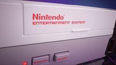 Das Nintendo Classic Mini ist noch rund einen Monat vom Verkaufsstart entfernt. In einem neuen Video zeigt das japanische Unternehmen die Funktionen der Mini-Konsole.