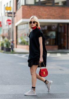 Sneakerla Giyebileceğiniz Günlük Bir Elbise - Aldığınıza Pişman Olmayacağınız 5 Elbise Modeli - Fotoğraf 14 - InStyle Türkiye