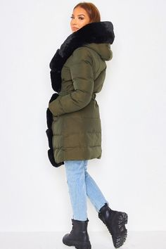 Parka, Long Puffer Coat, Winter Jackets, Fashion, Belt, Long Trench Coat, Winter Coats, Moda, Winter Vest Outfits