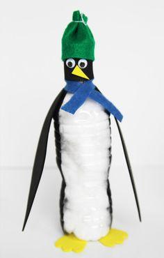 Ezek a víziporkú pingvinek szuper aranyosak és könnyen készíthetők.  Ez a tökéletes téli gyerekek aktivitása egy hideg napnak!