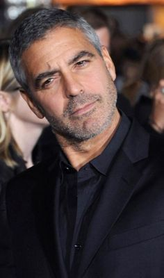 I hope I age as gracefully as George Clooney.must be the genes. George Clooney, Amal Clooney, Kentucky, Handsome Older Men, Actrices Sexy, Taylor Kinney, Boy George, Celebrity Babies, Belle Photo