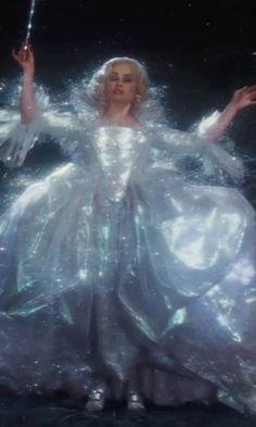 Resultado de imagem para helena bonham carter fairy godmother cinderella