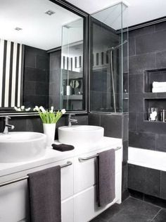 Badezimmer Modern Einrichten Graue Fliesen Weiße Badmöbel Grifflos ... Badezimmer Einrichten
