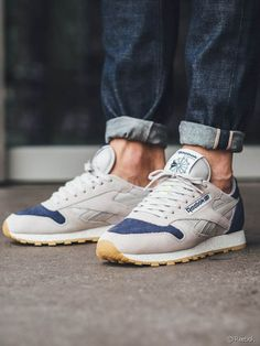 Reebok Classic Leather SM in 'Sand & Blue Ink' Sneaker Outfits, Sneaker Boots, Reebook Shoes, Shoe Boots, Shoes Sneakers, Sneakers Mode, Best Sneakers, Mens Fashion Shoes, Sneakers Fashion