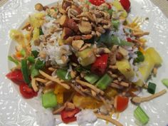 Hawaiian Haystack is the party favorite recipe when an attack of tropical envy hits, and it's buffet style pleases even the pickiest of eaters! Hawaiian Haystacks, Group Meals, Group Recipes, Recent Discoveries, Styling A Buffet, Party Buffet, Luau Party, Winter Food, Poultry