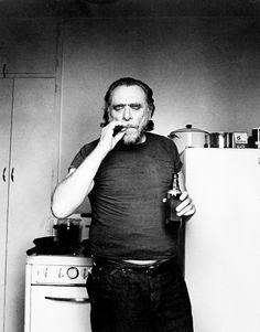 Algumas pessoas falamque eu tenho problemas com bebidas.Meu único problema é estar sóbrio.Eu me considero um bêbado socialistamais do que um bebedor social.Às vezes, a única felicidade é a bebedeiraàs vezes, nada mais importa.Eu continuo me perguntandoporque me preocupo quando ninguém mais se importa.— Charles Bukowski