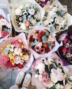 Who doesn't love flowers? My Flower, Fresh Flowers, Wild Flowers, Beautiful Flowers, Purple Flowers, Plants Are Friends, Flower Aesthetic, Arte Floral, Wedding Decor