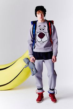 "Bobby Abley's Spring 2016 collection fuses punk, goth, and ""Star Wars"" characters. Geek Fashion, Unisex Fashion, Fashion 2017, Urban Fashion, Bobby Abley, Fall Winter 2015, Spring 2016, Gents Wear, Boy Clothing"